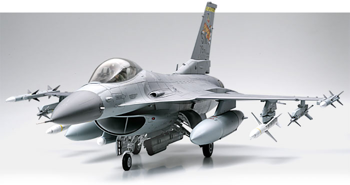 Tamiya 60315 F-16CJ FIGHTING FALCON